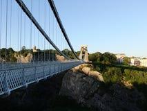 Camminando attraverso il ponte sospeso di Clifton Fotografia Stock