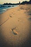 Camminando dalla spiaggia Fotografia Stock