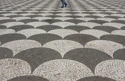 Camminando fra le onde Fotografia Stock