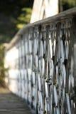 Camminando il ponte fotografia stock libera da diritti
