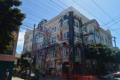 Camminando le vie di San Francisco We Find The Mission Feste Arquitecture di viaggio fotografia stock libera da diritti