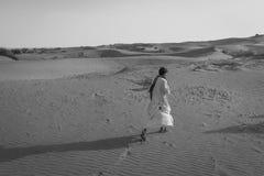 Camminando nel deserto, il Ragiastan, India Fotografia Stock
