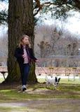 Camminando nel parco Fotografie Stock