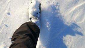 Camminando nella neve Piedi camminare Punti del piede archivi video