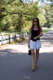 Camminando nella sosta Fotografie Stock