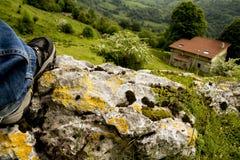 Camminando sulla montagna Fotografie Stock