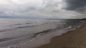 """Camminando sulla spiaggia nel mare del polacco della SK del """"di GdaÅ Fotografia Stock Libera da Diritti"""