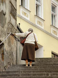 Camminare degli anziani Immagini Stock Libere da Diritti