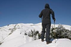 Camminare dell'alpinista Fotografie Stock Libere da Diritti