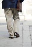 Camminare dell'uomo d'affari Fotografia Stock Libera da Diritti