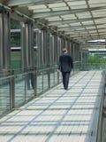 Camminare dell'uomo d'affari Immagine Stock Libera da Diritti