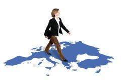 Camminare della donna di affari Fotografie Stock Libere da Diritti