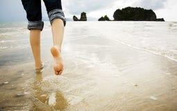 Camminare della spiaggia Fotografia Stock