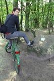 Camminata della bici della foresta Immagini Stock Libere da Diritti