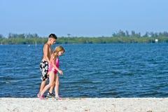 Camminata della spiaggia del banco di sabbia Fotografie Stock Libere da Diritti