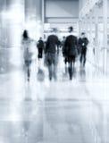 Camminata delle siluette della gente Immagini Stock