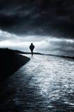 Camminata sola della persona Immagine Stock Libera da Diritti
