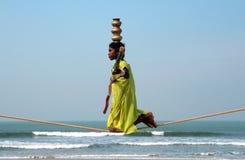 Camminatore indiano errante della corda per funamboli Fotografia Stock
