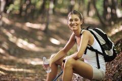 Camminatore nordico femminile Fotografie Stock