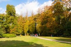 Cammini in parco della proprietà Boekesteyn, Paesi Bassi Immagini Stock