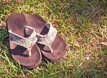 Camo Flip Flops imagenes de archivo