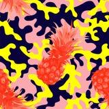 Camo militair in roze gele kleur met ananas royalty-vrije illustratie