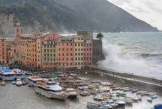 camogli海运风暴 免版税图库摄影
