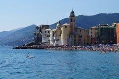 camogli看法从海的 免版税库存图片
