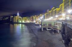 Camogli, Γένοβα, άποψη χειμερινής νύχτας Εικόνα χρώματος Στοκ Φωτογραφία