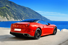 Camogli, Λιγυρία, Ιταλία - 13 Απριλίου 2016 Ferrari Καλιφόρνια Τ Στοκ Φωτογραφίες
