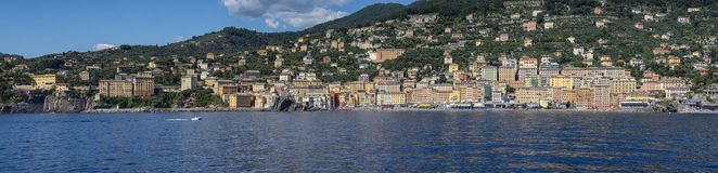 Camogli μια πόλη στην από τη Λιγουρία θάλασσα Στοκ φωτογραφία με δικαίωμα ελεύθερης χρήσης