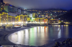 Camogli, Genoa, opinião da noite do inverno Imagem da cor Fotos de Stock
