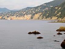 Camogli stad och klippor Royaltyfria Bilder