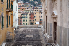 Camogli, viejo centro de ciudad Imagen del color Fotografía de archivo