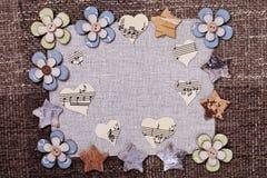 Camomile σχέδιο ταπετσαριών υποβάθρου μουσικής καρδιών Στοκ φωτογραφία με δικαίωμα ελεύθερης χρήσης