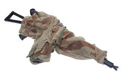 Camouflaged kałasznikow AK z snajperskim zakresem odizolowywającym na białym tle Obrazy Royalty Free