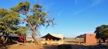 Camp de désert dans Namib Photos libres de droits
