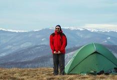 Camp en montagne Photographie stock libre de droits