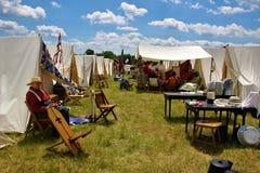 Camp et soldats confédérés à la reconstitution de Gettysburg images stock