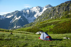 Camp in the high mountains Royalty Free Stock Photography