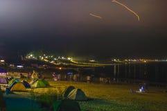 Camp occidental de camping de bord de la mer d'arête Image stock