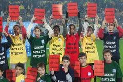 Campaña europea contra racismo en el estadio de Aris Foto de archivo libre de regalías