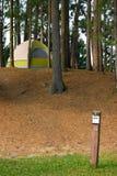 campa campingplatstent Royaltyfri Foto