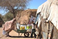 Campa för afrikanska flyktingar och flyktingar på utkanten av Hargeisa i Somaliland under FN-auspicier. Fotografering för Bildbyråer