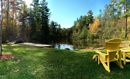 Campa sikt på sjön Royaltyfria Foton