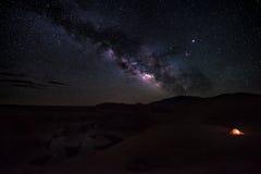 Campa under stjärnareflexionskanjonen Utah USA Royaltyfria Foton