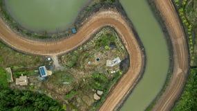Campagna della casetta del tetto della costruzione della pila solare di vista aerea Fotografie Stock Libere da Diritti