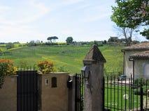 Campagna romana da balzare con nella priorità alta l'entrata di una casa L'Italia Immagine Stock Libera da Diritti