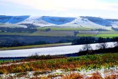 Campagne du Sussex couverte dans la neige en janvier photos libres de droits