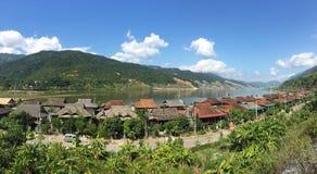 Campagne le long de rivière de Nam Rom près de Dien Bien Phu, Vietna du nord Photo libre de droits